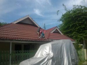 Renovasi atap Perum Ramayana.3